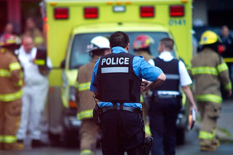 Securite-policiere-et-ambulance